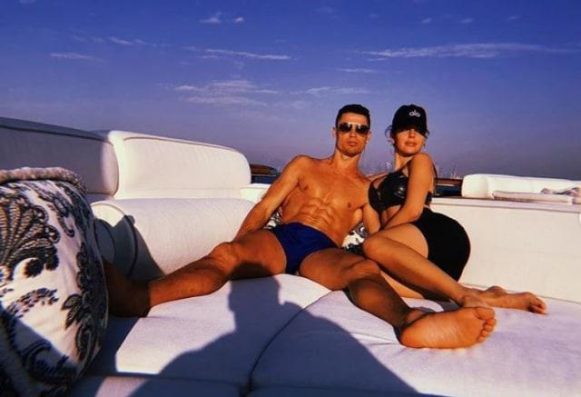 Hati Kekasih Cantik Cristiano Ronaldo Tersayat Karena Ledakan Dahsyat di Lebanon (282728)