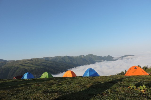 Viral, Puluhan Pendaki Dugem Saat Kemping di Kaki Gunung Rinjani (72854)