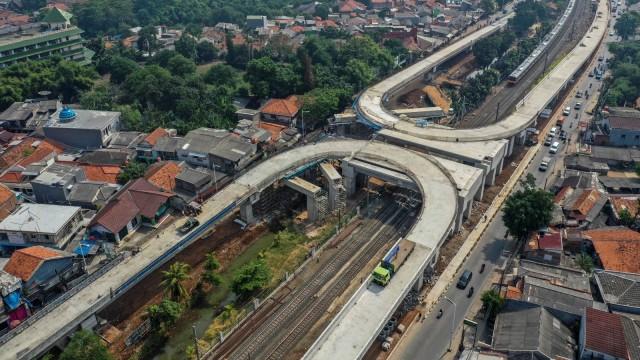 Anies Siapkan Jalur Sepeda di Flyover Tapal Kuda Lenteng Agung (54827)