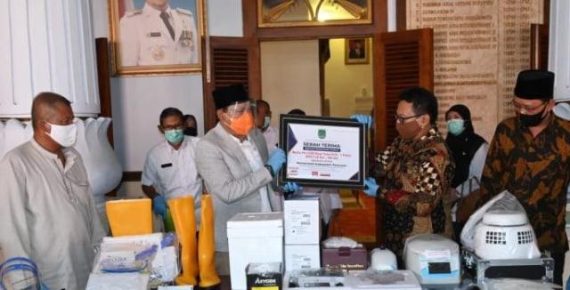 Sampoerna untuk Indonesia Beri Bantuan Mesin Swab (259797)