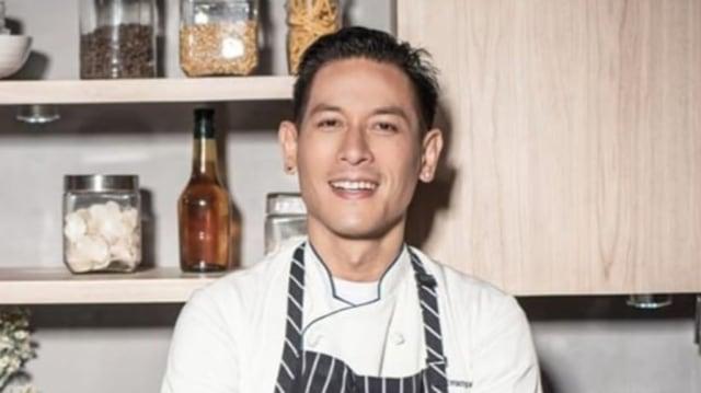 Bawa Pisau ke Mana-mana, Chef Juna Pernah Bikin Heboh di Bandara (34994)