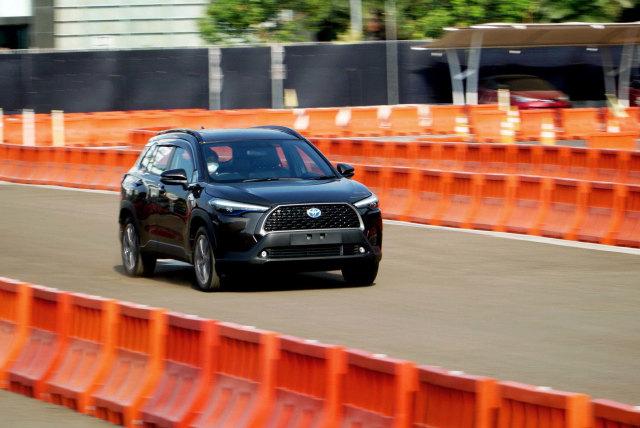 Bedah Spesifikasi Toyota Corolla Cross Hybrid, Apa Saja Fiturnya? (447629)
