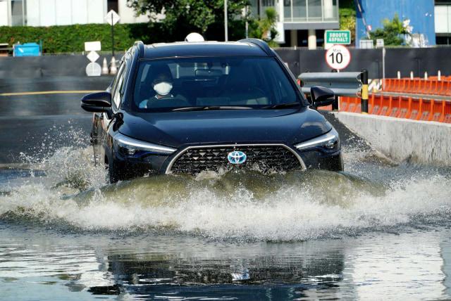 Lampaui Target, Toyota Corolla Cross Laku 112 Unit Seminggu, Hybrid Terlaris (44771)