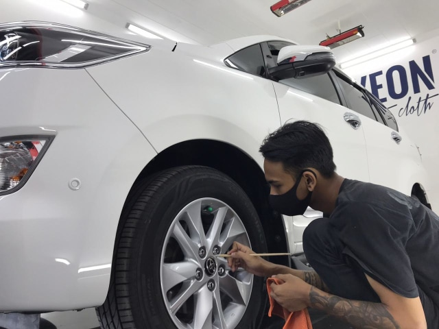 4 Tanda-Tanda Mobil Sudah Harus Masuk Garasi Auto Detailing (266)