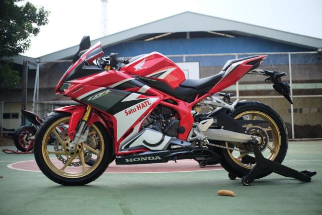Foto: Lebih Dekat dengan New Honda CBR250RR SP (50293)
