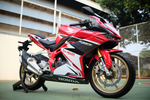 Foto: Lebih Dekat dengan New Honda CBR250RR SP (50294)