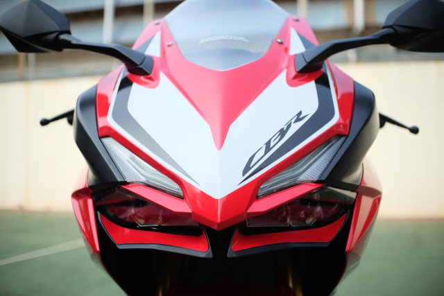 Foto: Lebih Dekat dengan New Honda CBR250RR SP (50296)