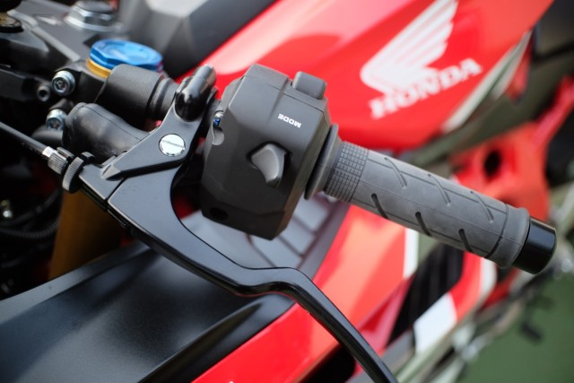 Foto: Lebih Dekat dengan New Honda CBR250RR SP (50309)