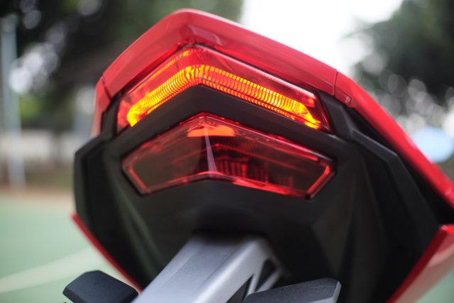 Foto: Lebih Dekat dengan New Honda CBR250RR SP (50291)