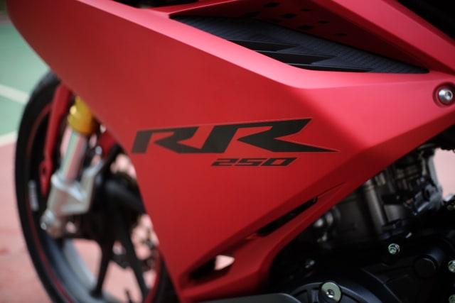 Foto: Lebih Dekat dengan New Honda CBR250RR SP (50289)