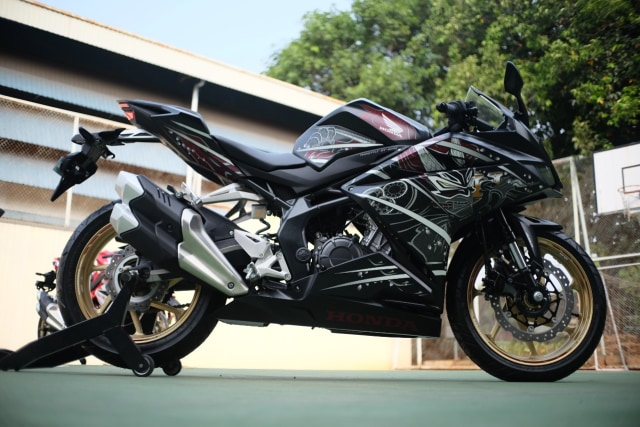 Foto: Lebih Dekat dengan New Honda CBR250RR SP (50282)