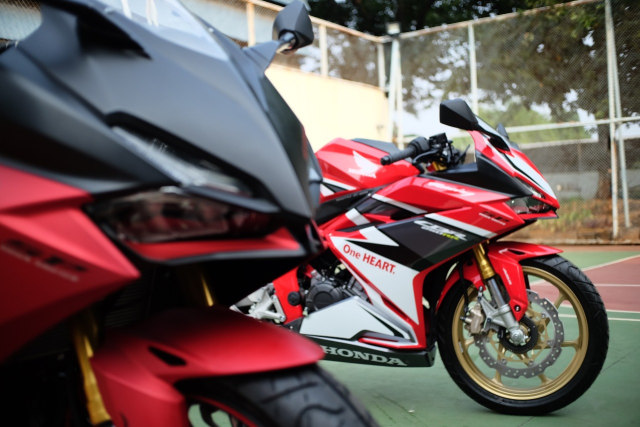Foto: Lebih Dekat dengan New Honda CBR250RR SP (50283)