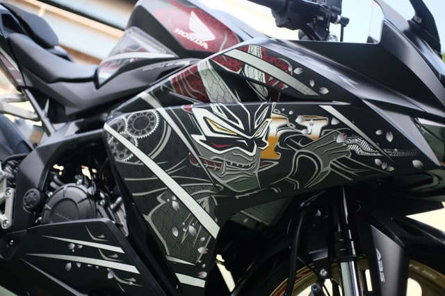 Foto: Lebih Dekat dengan New Honda CBR250RR SP (50305)