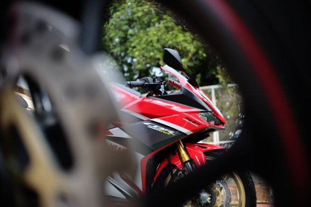 Foto: Lebih Dekat dengan New Honda CBR250RR SP (50300)