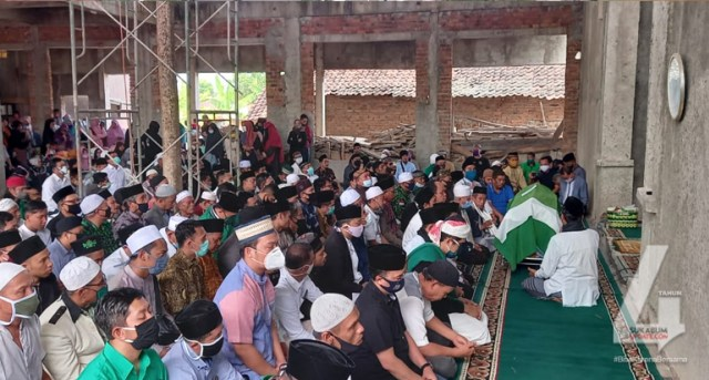 Jenazah Reni Marlinawati Tiba di Cimaja Sukabumi (89219)