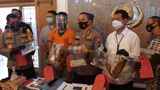 Polisi: Gilang 'Kain Jarik' Lakukan Riset Sejak 2015, Ada 25 Korban (257053)