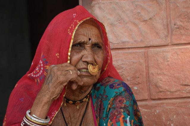 Tradisi Unik Wanita Suku Bishnoi di India, Rela Menyusui Rusa yang Dianggap Suci (51547)