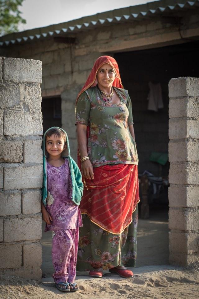 Tradisi Unik Wanita Suku Bishnoi di India, Rela Menyusui Rusa yang Dianggap Suci (51546)
