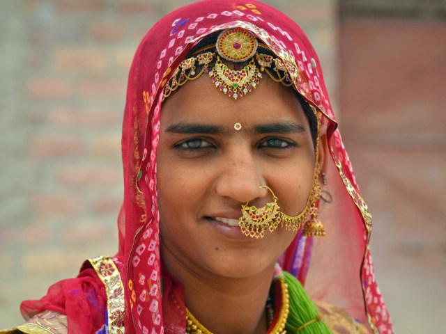Tradisi Unik Wanita Suku Bishnoi di India, Rela Menyusui Rusa yang Dianggap Suci (51544)