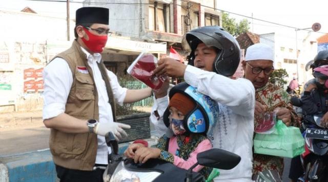 """Plt Walikota Pasuruan Turun ke Jalan Demi Sukseskan Gerakan """"Ayo Memakai Masker"""" (1090614)"""