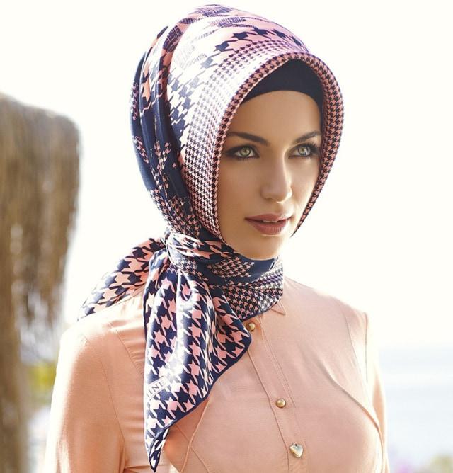 Melihat Gaya Hijab Khas dari Berbagai Negara di Dunia (7)