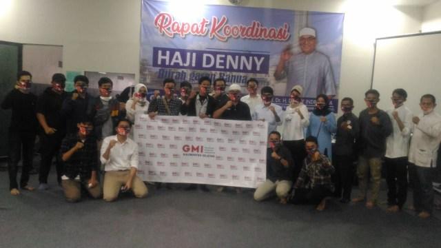 Sekelompok Milenial Dialog dan Dukung Denny Indrayana di Pilgub Kalsel (32715)
