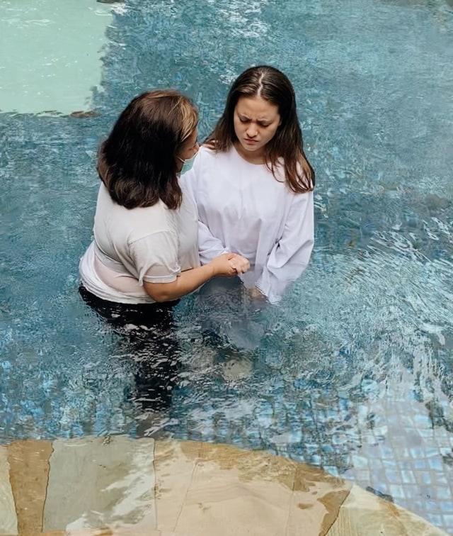 Baru Dibaptis, Marsha Aruan Jawab Kabar soal Pindah Agama (356732)