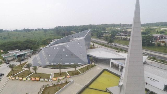 Masjid Tanpa Tiang di Rest Area Tol Purbaleunyi yang Mencuri Perhatian (34449)