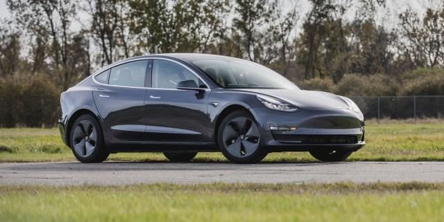 Mobil Listrik Tesla Buatan China Bermasalah (460323)