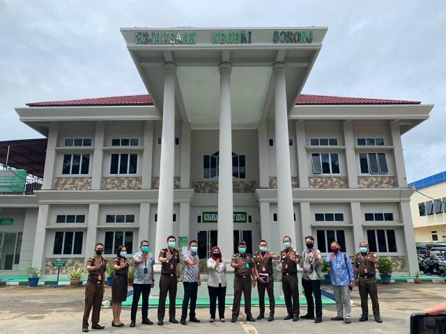 KPK Soroti Masalah Aset Pemkab Sorong, 78 Kendaraan Dinas Dikuasai ASN Pensiun (82851)