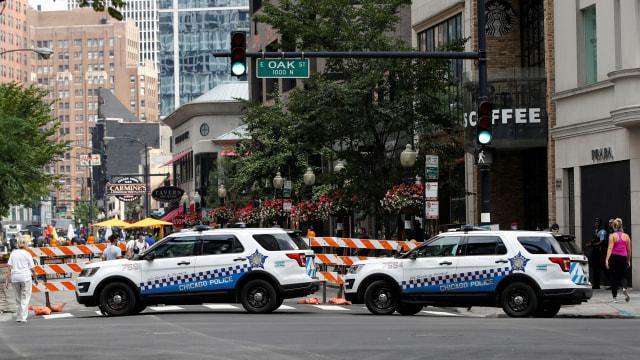 Rusuh di Chicago, 100 Orang Lebih Ditangkap dan 13 Polisi Terluka (160464)
