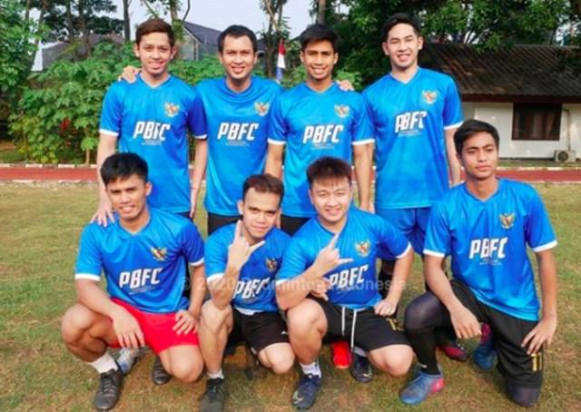 Pelatnas PBSI Meriahkan HUT ke-75 RI dengan Bermain Sepak Bola (719577)