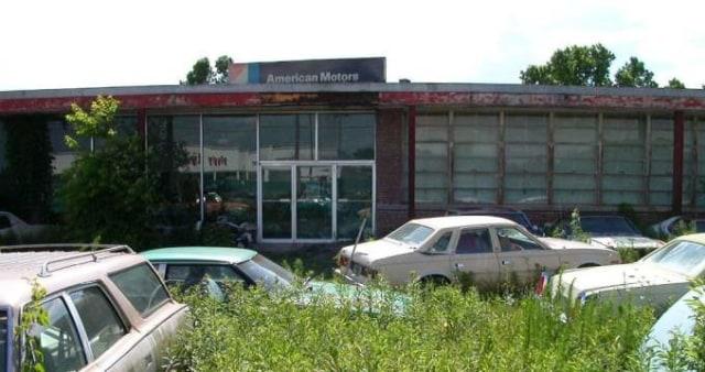 8 Diler Mobil yang Terbengkalai Puluhan Tahun dan Menyimpan Koleksi Eksotis (19775)