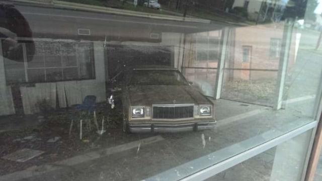 8 Diler Mobil yang Terbengkalai Puluhan Tahun dan Menyimpan Koleksi Eksotis (19772)