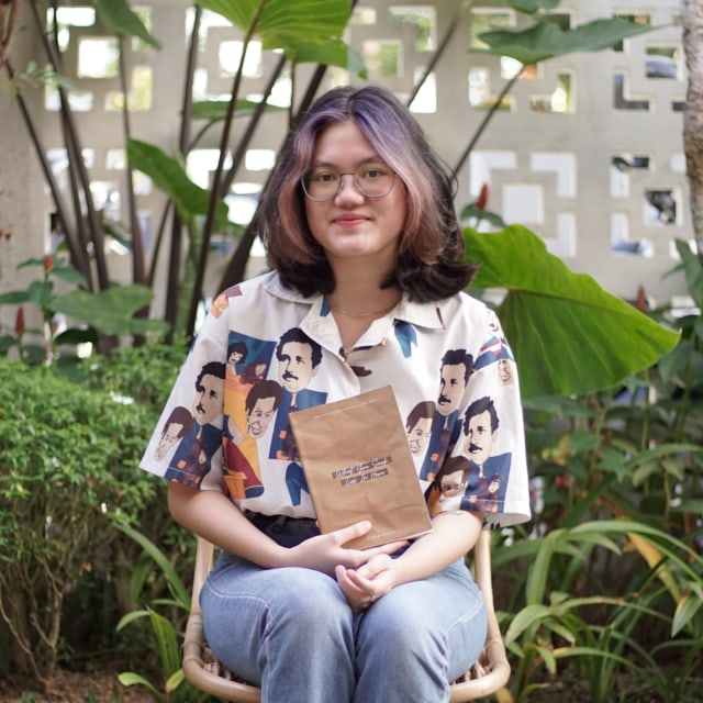 Hilangkan Stress, Ranti Yamin Rilis Buku Secara Mandiri (105705)