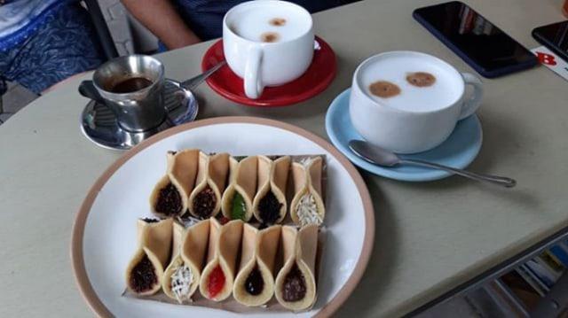 Sensasi Lembut dan Manis Kue Manja Mini (512278)