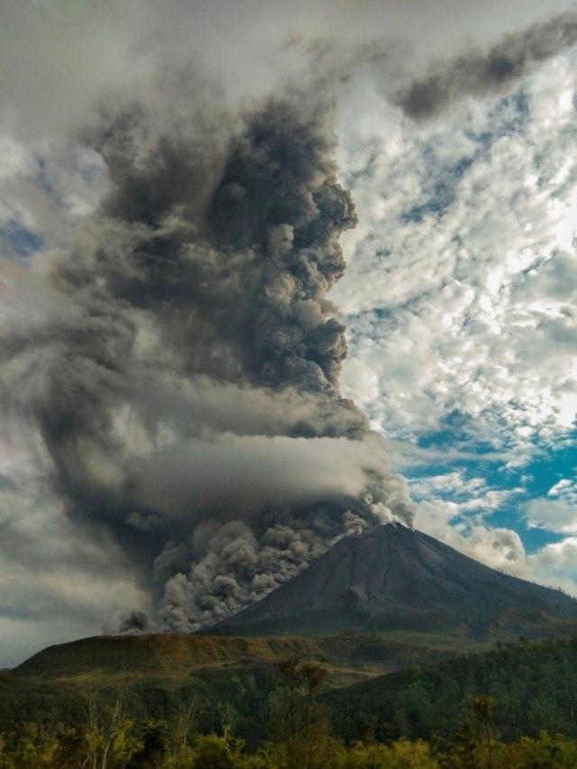 Foto: Erupsi Gunung Sinabung  (9301)