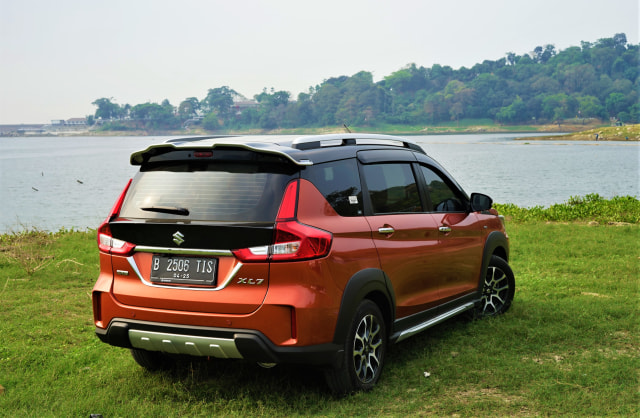 Menjajal Ketangguhan Suzuki XL7, Seberapa Layak Dipinang? (504455)
