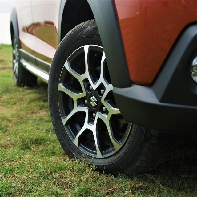 Menjajal Ketangguhan Suzuki XL7, Seberapa Layak Dipinang? (504463)