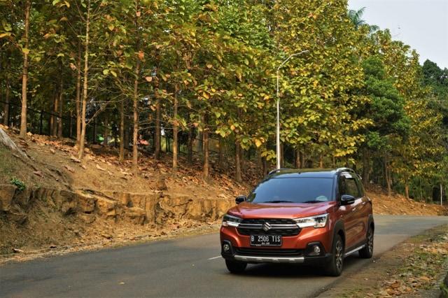 Menjajal Ketangguhan Suzuki XL7, Seberapa Layak Dipinang? (504451)