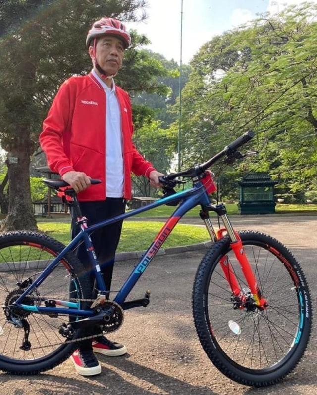 Saat Brompton Digemari Pejabat dan Bos BUMN, Jokowi Malah Koleksi Sepeda Lokal (280326)