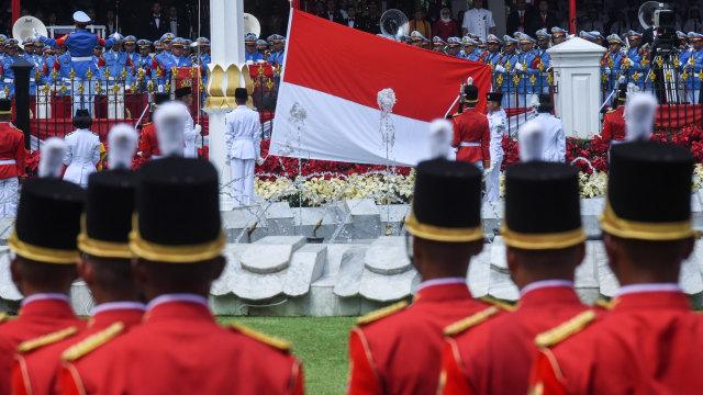 Indrian Puspita Rahmadhani, Pembawa Baki di Upacara HUT ke-75 RI (4882)