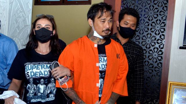 Kejati Bali soal Nora di Mobil Tahanan Bareng Jerinx: Tak Ada Perlakuan Khusus (353369)