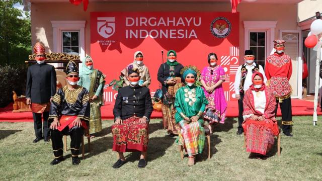 HUT ke-75 RI, KJRI Istanbul Beri Friends of Indonesia Award ke WN Turki (493246)