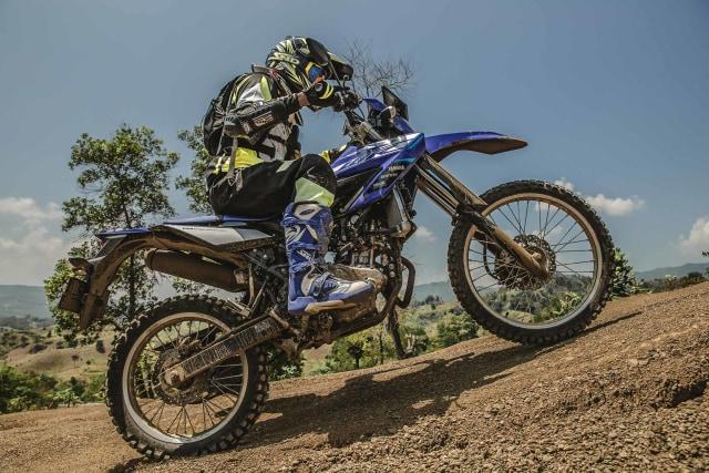 Alasan Teknis Mengapa Posisi Knalpot Yamaha WR 155 R Ada di Sebelah Kiri (88674)