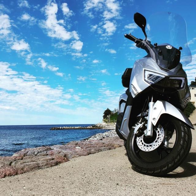 Mirip Yamaha NMax, Ini Motor Listrik MBI yang Akan Dijual di Indonesia   (30108)