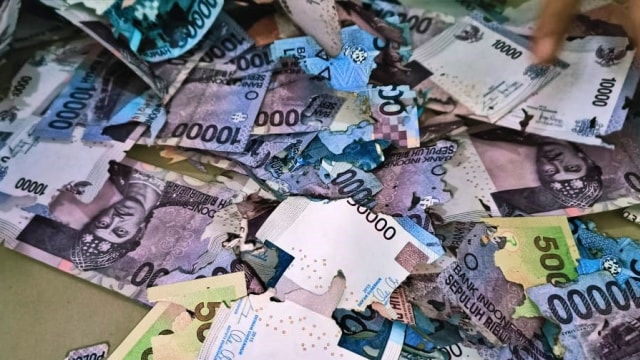 Uang Rp 3,5 Juta Warga Sulsel Ludes Dimakan Rayap karena Disimpan di Bawah Kasur (76540)