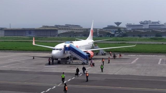 Melihat Pesawat Jet Komersial Kembali Beroperasi di Bandara Husein Sastranegara  (82737)