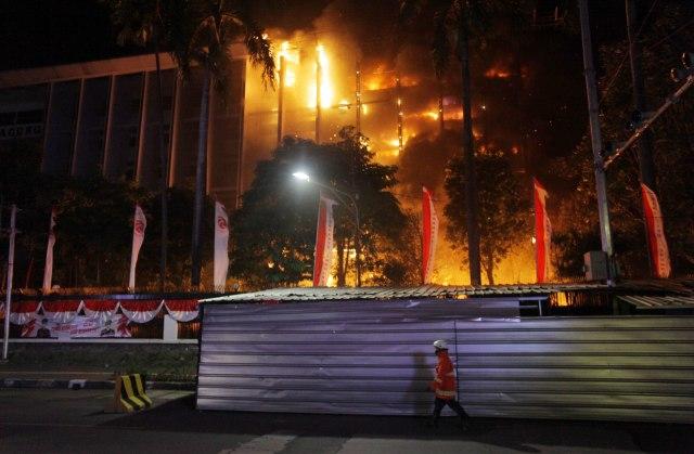 Kriminal Jabodetabek: 8 Tersangka Kebakaran Kejagung; Kurir Sabu Saat Demo Rusuh (246193)