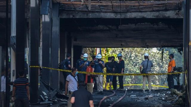 Polisi Amankan Beberapa CCTV Cek Penyebab Kebakaran di Kejagung (301114)